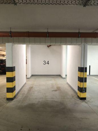 Złota Reneta Żukowo ul. Jabłoniowa 7b miejsce w hali garażowej
