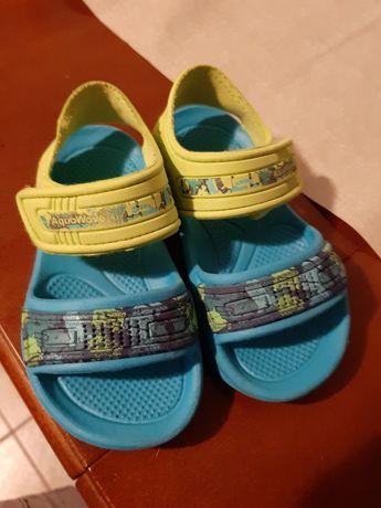 Sandałki 25