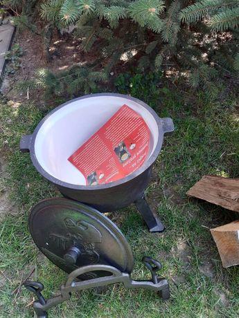 Kociołek żeliwny 8 litrów emalia