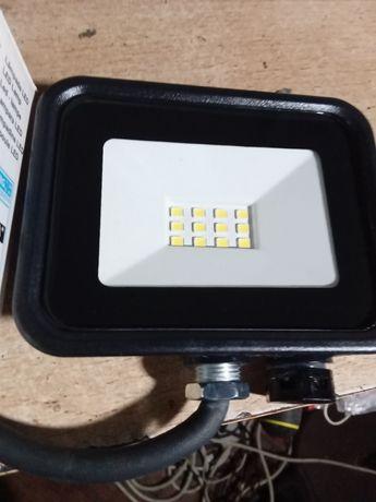 Projectores de leds 10w 700 lumens novos