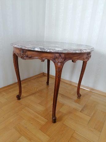 duży ludwikowski stolik z marmurowym blatem
