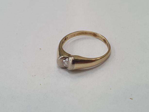 Piękny złoty pierścionek damski/ 585/ 2.74 gram/ Brylant/ R16/ sklep