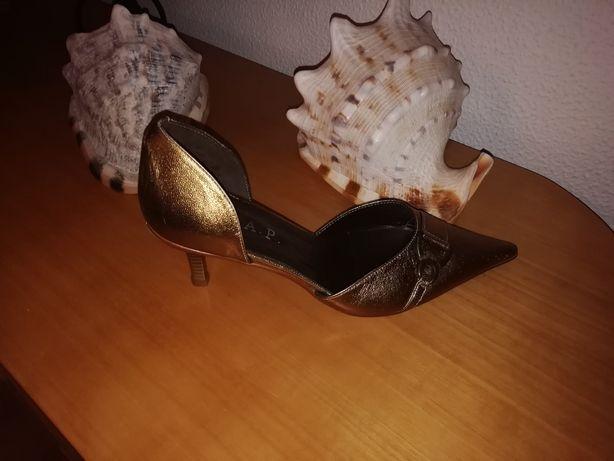 Sapato de senhora novos todos em bronze metalizado