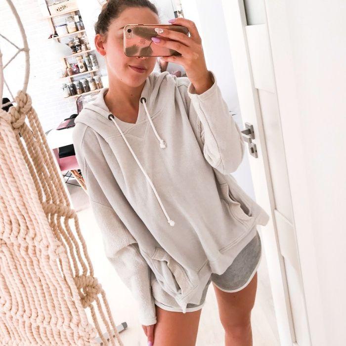 Szeroka bluza oversize szara z kapturem Medicine Rzeszów - image 1