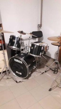 Perkusja YAMAHA DP - kompletny zestaw / cztery talerze