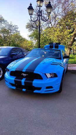 Продам кабриолет Ford Mustang 3.7 2013 г