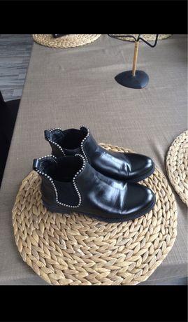 Sztyblety botki plaskie blyszcace bardzo wygodne 36 czarne