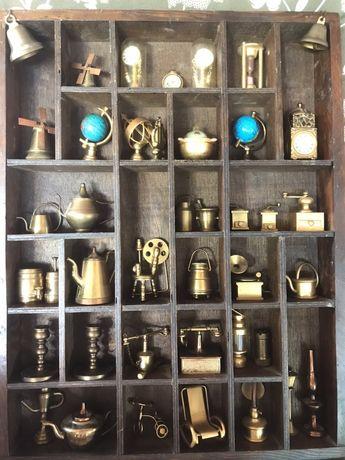 Miniaturki przedmiotow kolekcjonerskich z mosiądzu