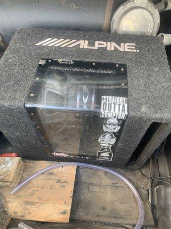 Сабвуфер Alpine 800W + усилитель audiobit 1.300