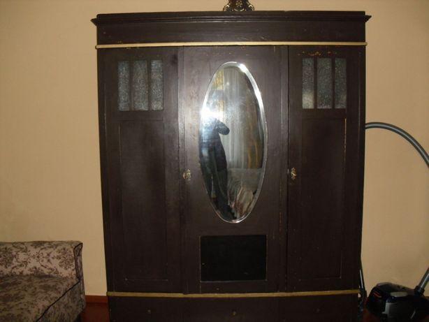 Szafa trzydrzwiowa przedwojenna z lustrem+komoda-do renowacji.