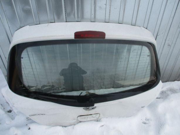 Opel Corsa D szyba klapy bagażnika w klape 5-cio drzwiowa