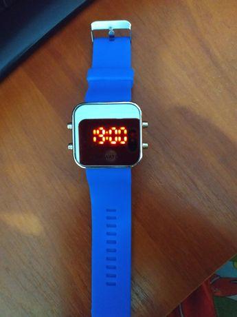 Часы (200₽)