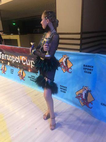 Плаття для бальних танців латина