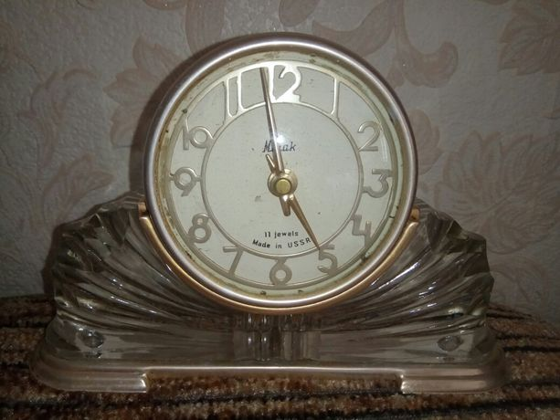 Часы настольные каминные на подставке