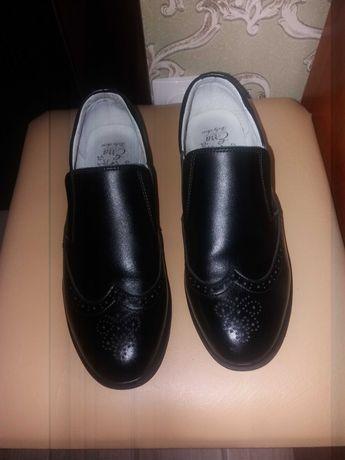 Кожаные подростковые туфли