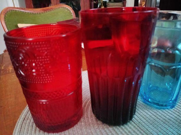 Stare szklanki kolorowe szkło
