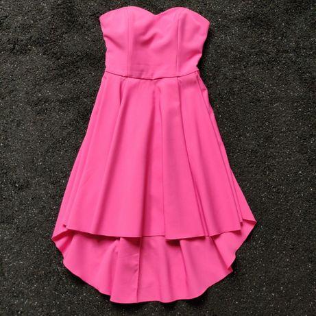 Różowa sukienka - bardzo kobieca