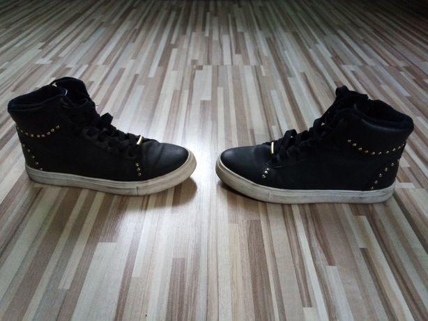 Ocieplone buty zimowe H&M w rozmiarze 36.