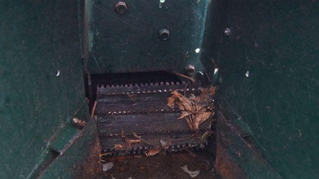 Rebak rozdrabniacz do gałęzi desek mocny Ford 100 KM diesel przyczepa