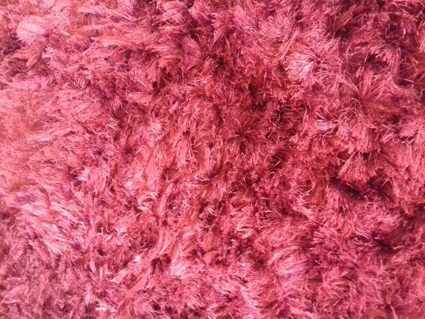 Carpete grande vermelha