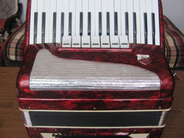 Akordeon VICTORIA II 80 basów
