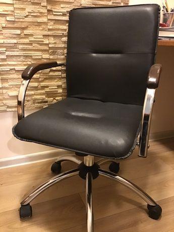 Офисное или компьютерное кресло отличное состояние.