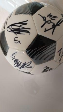 Продаю Футбольный мяч