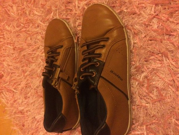 Sapato tipo ténis