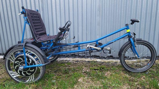 Rower trójkołowy elektryczny rekreacyjny rehabilitacyjny poziomy