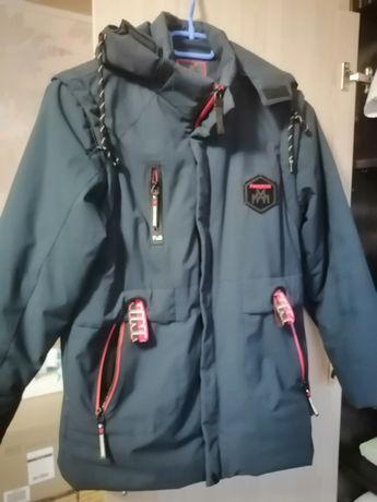 Продам осінньо-весняну куртку на хлопця