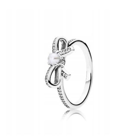 PANDORA srebrny pierścionek z kokardą i perłą rozm. 54 (14)