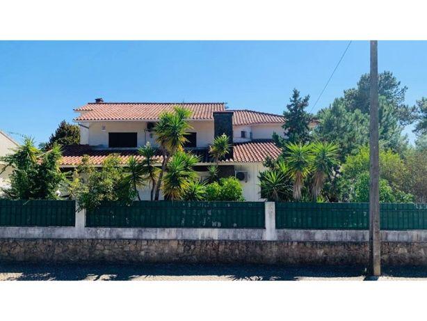Magnifica Moradia isolada em zona nobre de Vila Nogueira ...