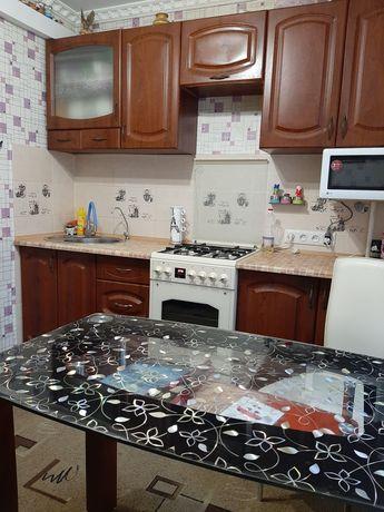 Продам 2-х комнатную, Приднепровская 6