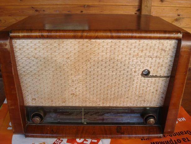 Радиола ВЭФ-Аккорд 60-го года.
