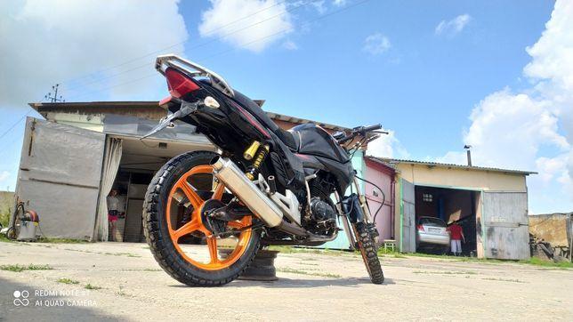 Продам мотоцикл 200сс