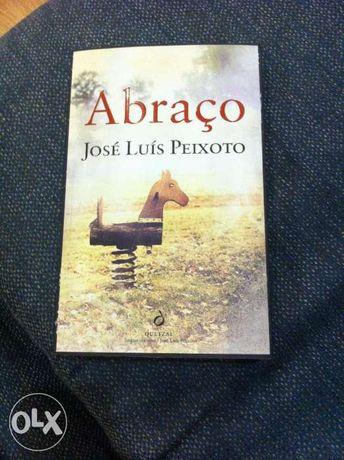 Livro Abraço de José Luis Peixoto