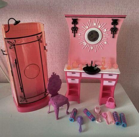 Продам парфюмерный столик и душевая кабинка для куклы