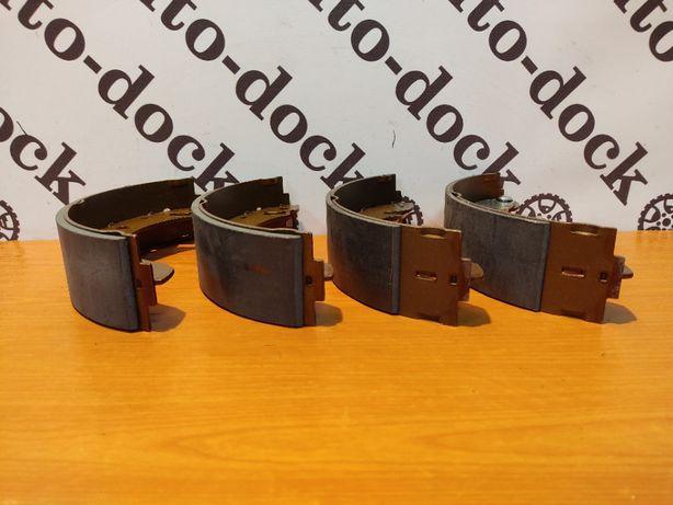 Тормозные задние колодки для Форд Сиерра 01380B