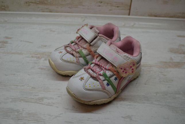 Білі кросівки для дівчинки