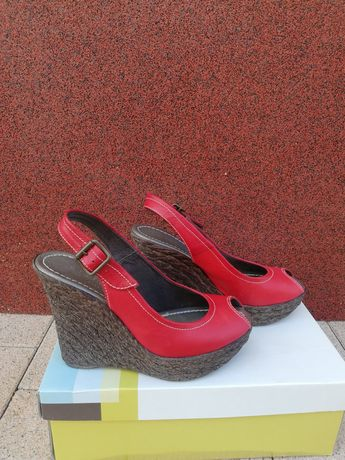 Hiszpańskie sandały na koturnie hispanitas nowe red 37