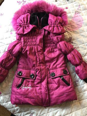 Куртка зимняя на девочку 4-5 лет,+ жилетка в подарок