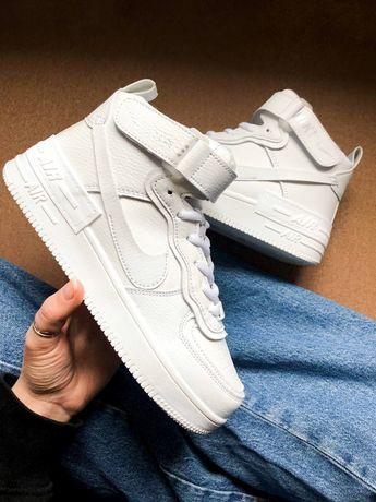 Кроссовки Nike белые высокие