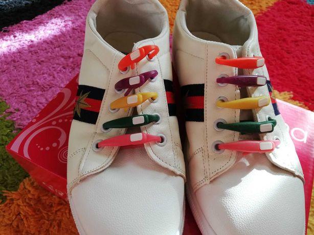 Продам новые стильные кроссовки!!