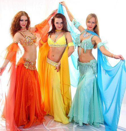 Пошив костюмов для танцевальных коллективов.