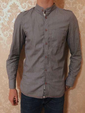 Рубашка серого цвета мужская