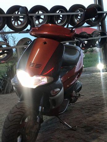 Продам скутер Gillera Runer 180 2т.