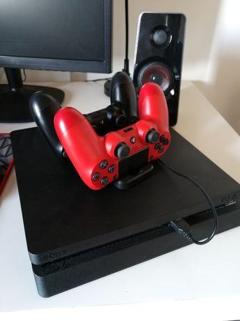 PS4 Slim 500Gb + 2 comandos + cabos e carregador para dois comandos