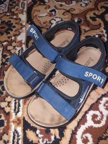 Босоножки-сандали для мальчика.