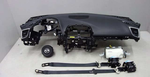 Mazda 3 tablier cintos airbags