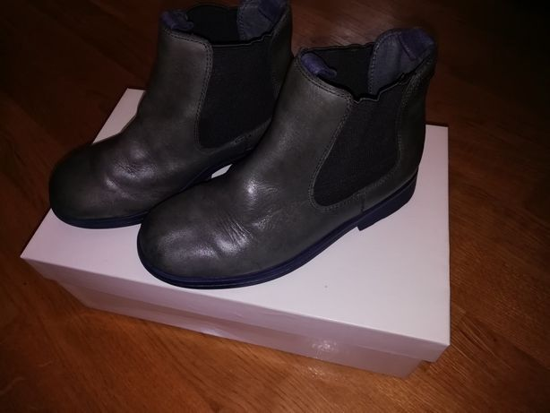 Продам взуття для дівчаток Camper